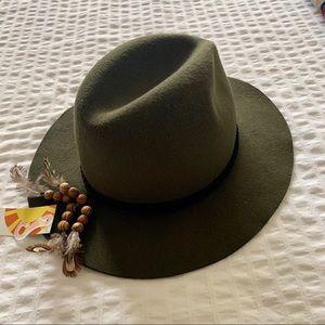 NWT felt boho hat